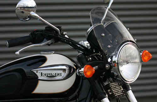 Dart flyscreen for Triumph Bonneville (2001 onwards)